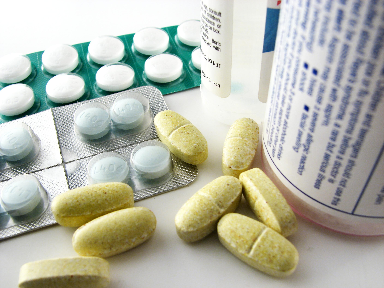 closeup-of-pills-and-medicine