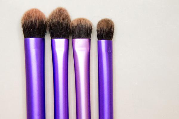 makeup habits making you sick - dirty brushes