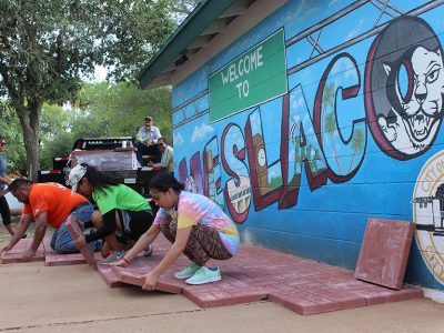 Weslaco High School students improve Gibson Park and win Keep Texas Beautiful Award