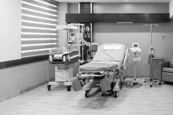 empty maternity ward room